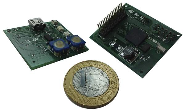 EPOSMote (ARM7 version) with a 1 Real coin
